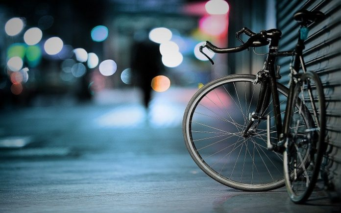 Using Deep Learning Algorithms to Give Bicyclists the 'Green Wave' at Traffic Signals
